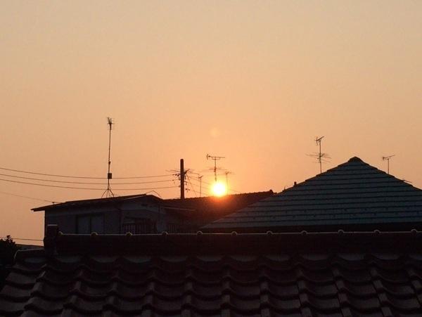 日の出 - 初めて早朝ランニングをやってみたら想像以上に気持ちよく走れた! / 走行距離11km、今年の記録を更新!