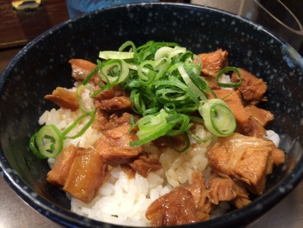 チャーシュー丼 - よってこやのラーメン - 新宿南口『よってこや』初めて食べた鶏ガラ豚骨がかなり美味い上に安定感あるラーメン