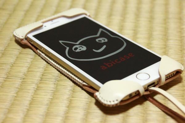abicase white - iPhoneゴールドカラーの白の表面に映えるwhite色のabicase #abicase