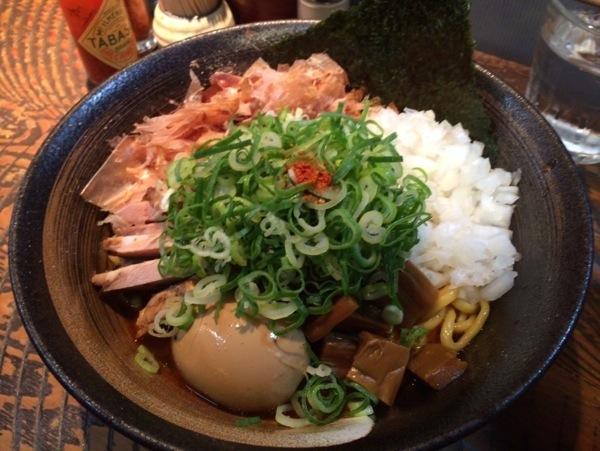 油そば - 恵比寿『瞠(みはる)』の油そば食す!太麺・ボリューム多めな具で食べ応えあり!ドライカレーも美味かった!