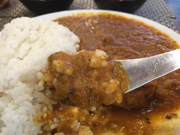 チキンカレー - 恵比寿『オオバ』の野菜の旨みがそのまま溶けたチキンカレー!サラダ、ドリンクは取り放題なのは嬉しい!