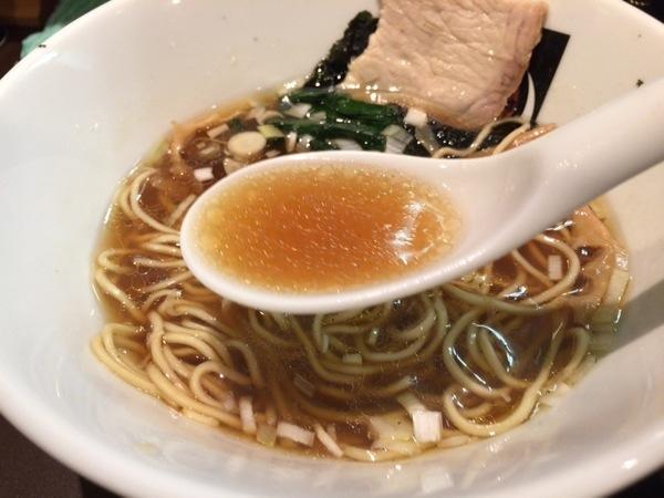 中華そば - 恵比寿『おおぜき』これぞ王道!と言わんばかりの中華そばが美味い!卵かけご飯も美味かった