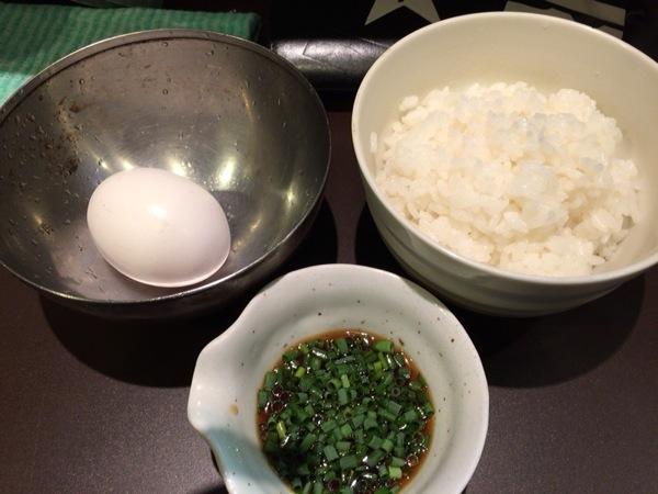 卵かけご飯 - 恵比寿『おおぜき』これぞ王道!と言わんばかりの中華そばが美味い!卵かけご飯も美味かった
