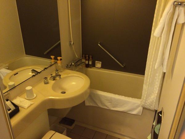 バス・トイレ - 初めて泊まったホテルビスタプレミオ堂島がなかなか良い / しかし、ちょっと残念なポイントもある